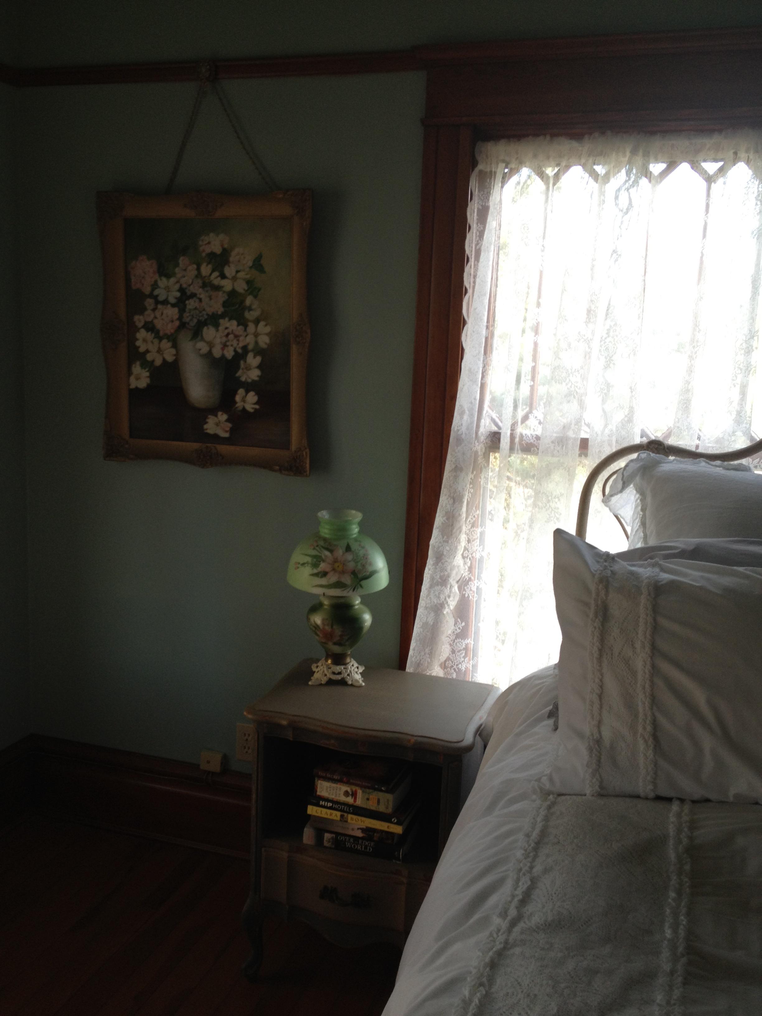 Master bedroom Prescott Victorian Rental